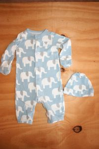 Carters Newborn  Printed Onesie with matching Hat