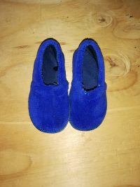 Boys Shoes – Size 3/4 NEW
